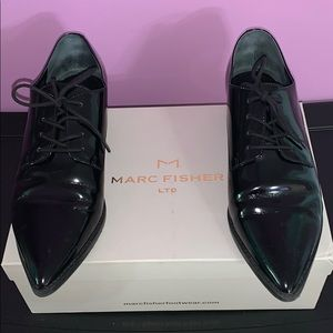 Very cool point toe Marc Fisher dress shoes